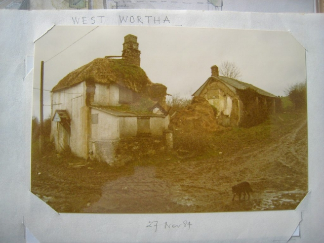 West Wortha houses before flooding in 1984 with Lassie